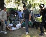 La represión en el Borda dejó varios heridos.