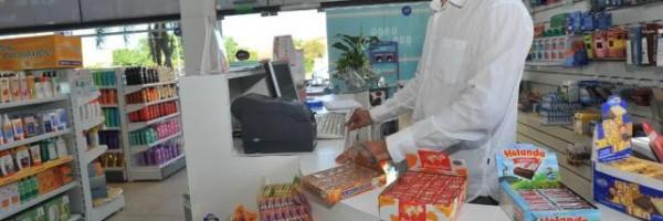 Las farmacias podrán continuar con la venta de golosinas.