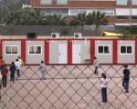 Un arquitecto cuestiona las aulas modulares.