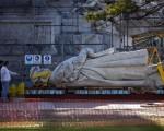 Trasladarán el monumento de Colón frente al Parque Lezama.