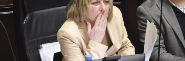 La legisladora cuestiona el convenio aprobado en Legislatura.