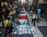 Crece la venta callejera en la Ciudad.