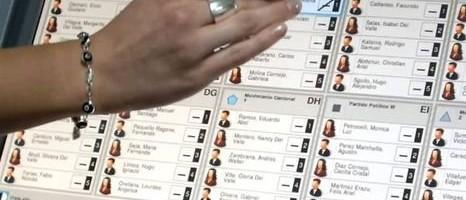 Defienden ante la Justicia el voto electrónico.