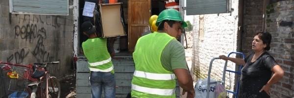 Relocalizan a más familias en Barracas.